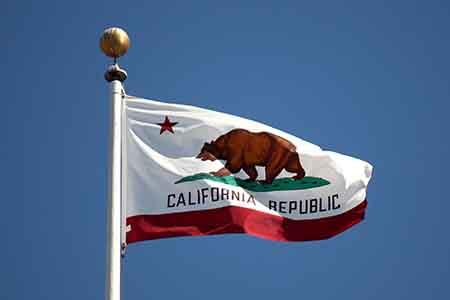 California podría permitir solamente el póquer online