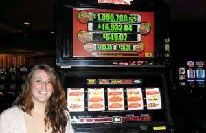 Una mujer de Connecticut gana 2,3 millones de dólares en una tragaperras de centavo